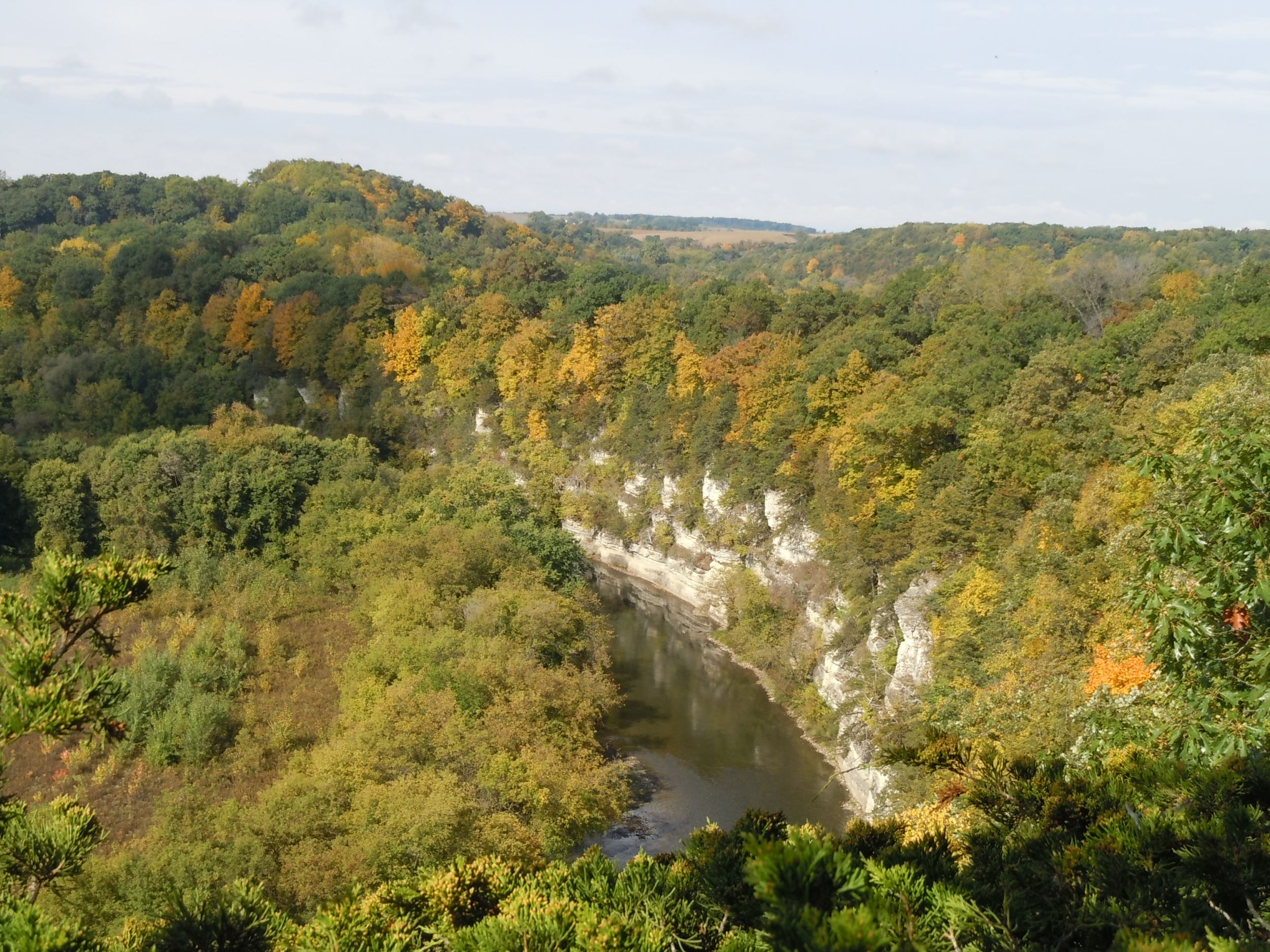 Chimney Rocks conservation easement protects viewshed along Upper Iowa River