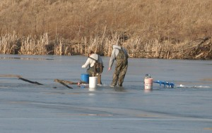 20090206-ice fishing-DNR pond-lpc